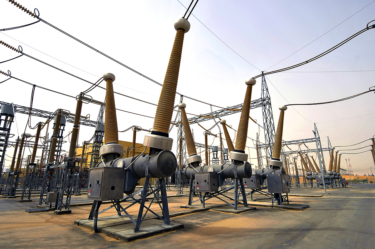 Dead Tank Circuit Breakers Up To 550 Kv
