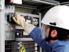 Electrical safety for electricians working at low voltage